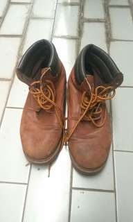 Sepatu Boots Pull and Bear size 42