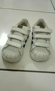 🚚 ADIDAS正牌 童鞋尺寸9號