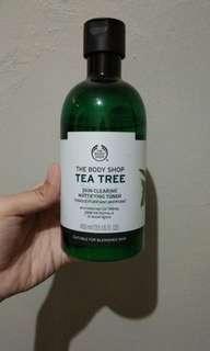 THE BODY SHOP TEA TREE skin clearing muttifying toner