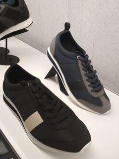 Sepatu sport pedro
