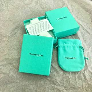 Tiffany & Co. original package box 	原裝正版首飾包裝盒
