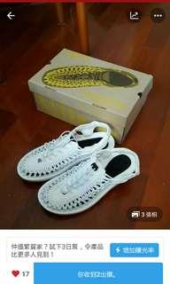 Uneek keen白色涼鞋