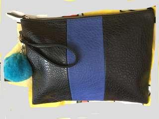 泡紋皮手拿包 clutch 名牌 Celine Balenciaga style