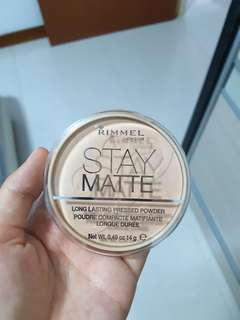 Rimmel Stay Matte Powder (Silky Beige)