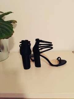 Novo black block heels size 36