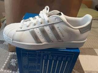 Brandnew Adidas Superstar 37