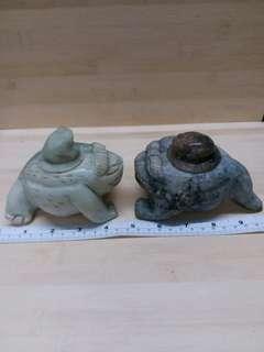 一對五吋古舊中國玉有蓋蟾蜍
