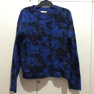 Blue Floral Semi Crop Pullover