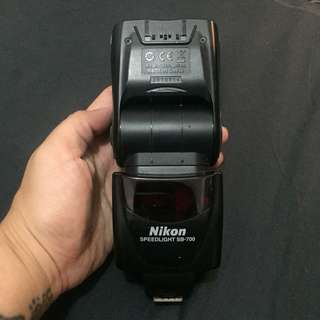 Nikon Speedlight SB-700 Flash Unit