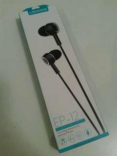 Headphones 耳機