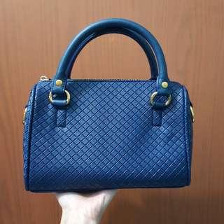 TAS SLING BAG (tas slempang wanita)