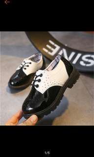 Sepatu formal anak laki laki