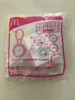 Mainan happy meal justice league action