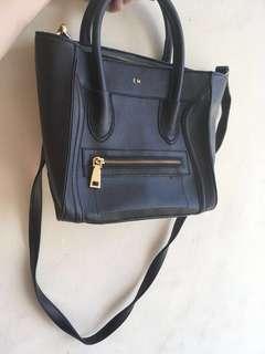 Black Sling Bag / Tas
