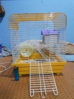 🚚 兩層樓鼠鼠住家