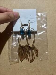(brandnew) dangling earrings