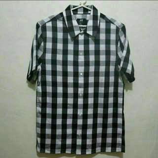 Brand New H&M Plaid Checkered Buttondown Polo