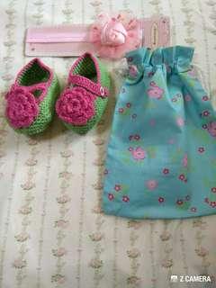 handmade baby knitting shoes with headband and drawstring bag