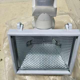 Spot Light & Wood cutter Machine