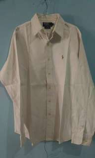 #mausupreme kemeja putih