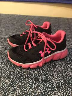 Under Armour girls rubber shoes size US12