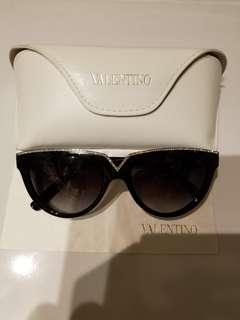 Valentino黑色閃石太陽眼鏡