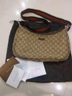 100% real Gucci 2 ways  handbag Gucci 正貨斜孭或掛肩兩用
