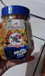Kacang Dua Kelinci (mix nut)