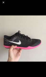 NIKE BLACK AND PINK (rush)