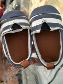 Baby boy shoes 1-4months old