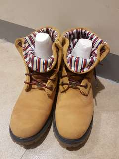 Timberland 黃色反折短靴(女生尺寸7.5適合平常24.5的女生)