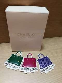 Micheal Kors 手袋磁石