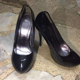Chelsea Black shoes (4.5 inches heels)