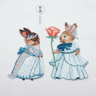 🚚 情侶兔子。刺繡布貼補丁