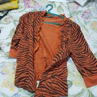 Outer orange pattern