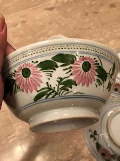Vintage pink/green bowl