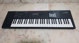 Roland JUNO-DS61 Synthesizer keyboard with bag