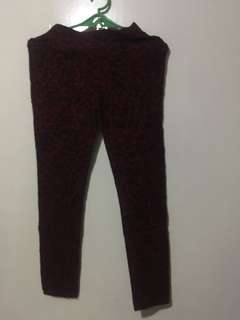 BLACK AND RED JEGGINGS