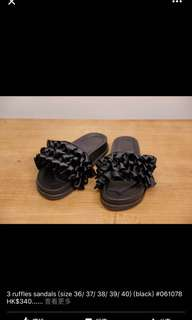 Korea 3ruffles sandals size36 black