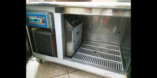🚚 冰櫃(贩冰使用)使用不到半個月,需者自出