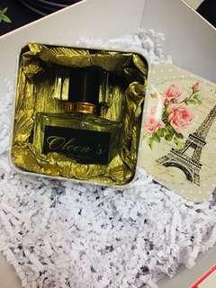 Oleen's perfume