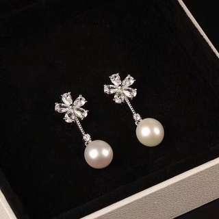 天然真珍珠耳墜耳環  s925銀 防敏感 高碳鑽底色 縷空花朵壓印