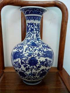 Blue Double dragon vase(Biru naga vas)