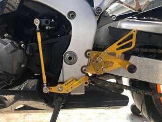Honda CBR1000RR 08-15 CNC Racing Footrest  Rm650 black titanium gold
