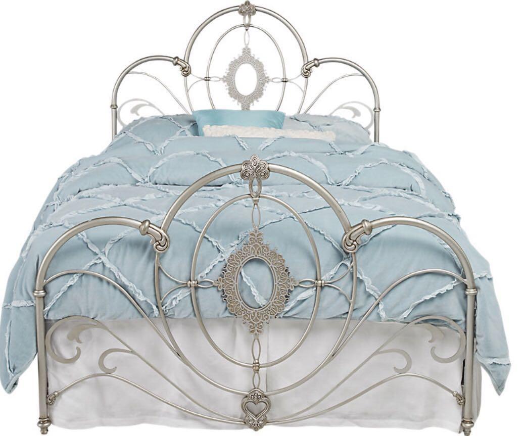 Disney Princess Enchanted Kingdom Iron 2 Pc Full Panel Bed