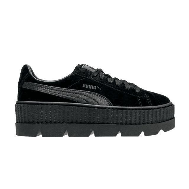best sneakers 4d064 9088a Fenty Puma Black Cleated Platforms, Women's Fashion, Shoes ...
