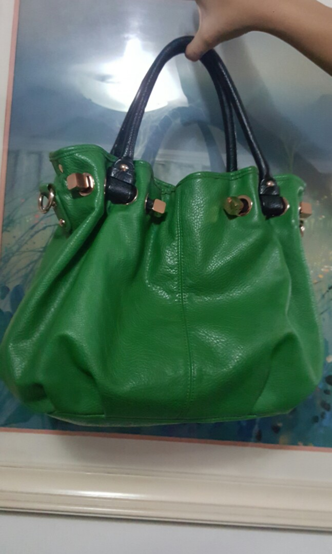 34bf033cbf14 Folli Follie From An Preloved Women S Fashion Bags Wallets On
