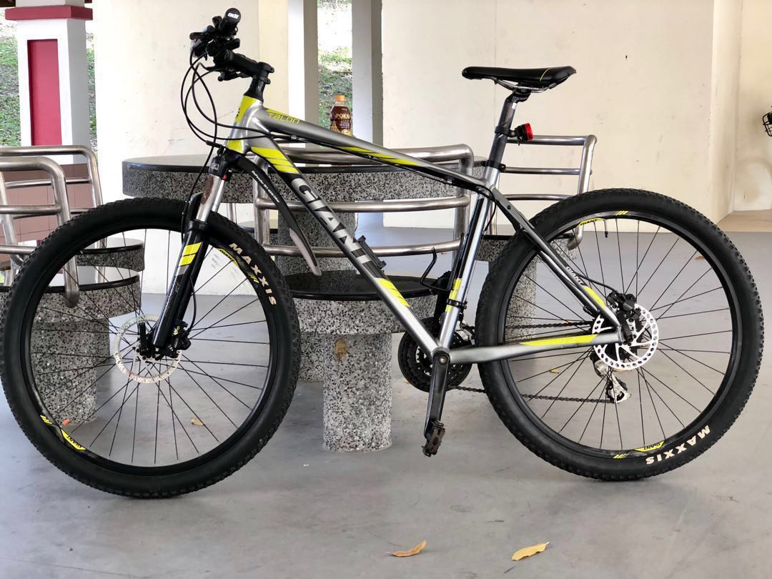 c7d20f12fca Giant Talon 4 (27.5) L frame, Bicycles & PMDs, Bicycles on Carousell