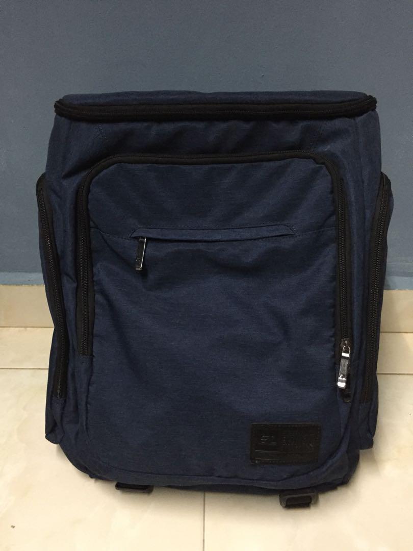 2fa1cb855 Laptop Bag, Men's Fashion, Bags & Wallets, Wallets on Carousell