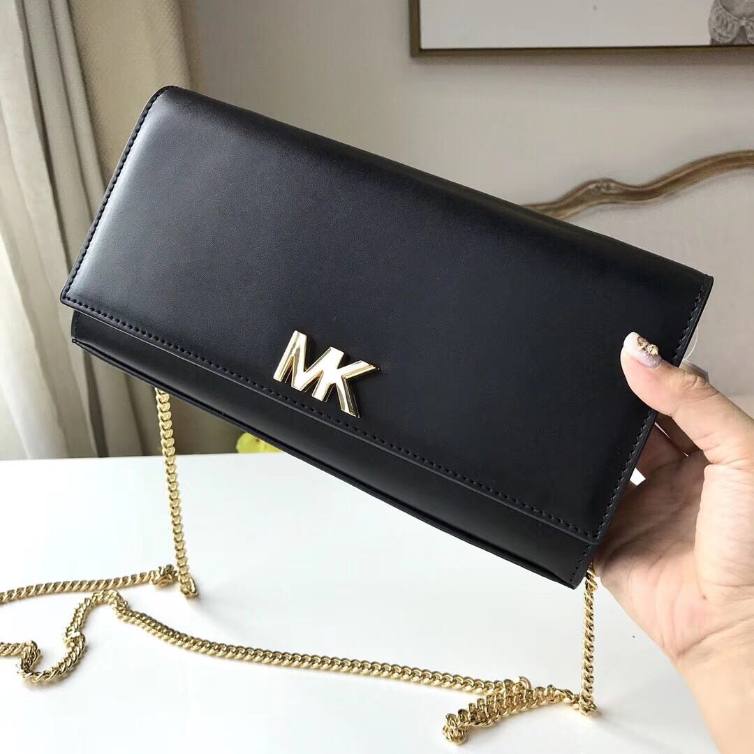 b1bc0a083327 Michael Kors Mott Leather Chain Wallet, Women's Fashion, Bags & Wallets on  Carousell